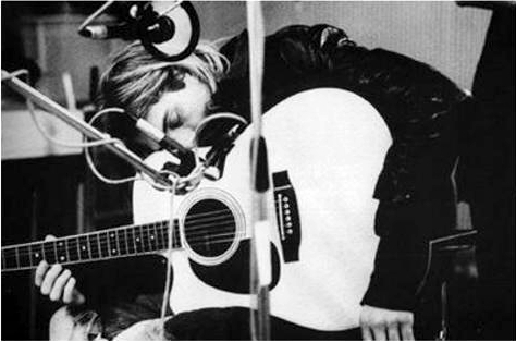 b&w, beautiful, black and white, black and write, cute, famous, hair, image, kurt, kurt cobain, kurt donald cobain, nirvana, perfect, photo, photography, picture, pretty