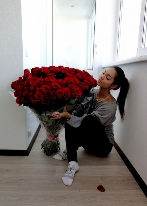 beautiful, big roses, clothes, fashion, girl, hair, love, red, roses, socks
