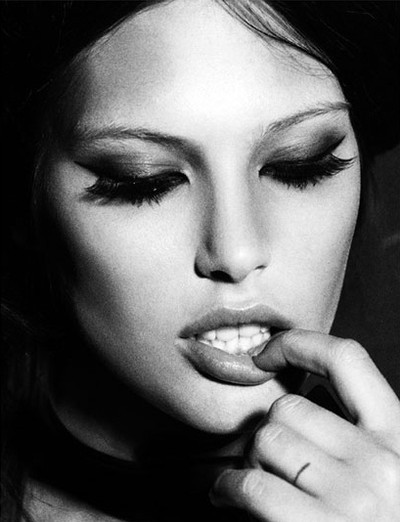 beauty, black and white, girl, photography - image #435396 ...