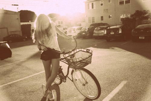 bicycle, bike, blog, fashion, fashion blog, moda, mohchampagne, skinny, photography, model, twitter, style, sepia