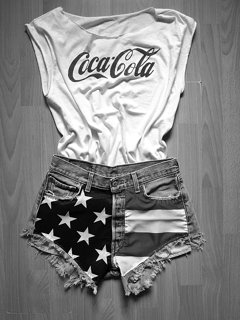black and white, black and wite, clothes, coca cola, coca-cola, fashion, jeans, look, short, t-shirt, usa