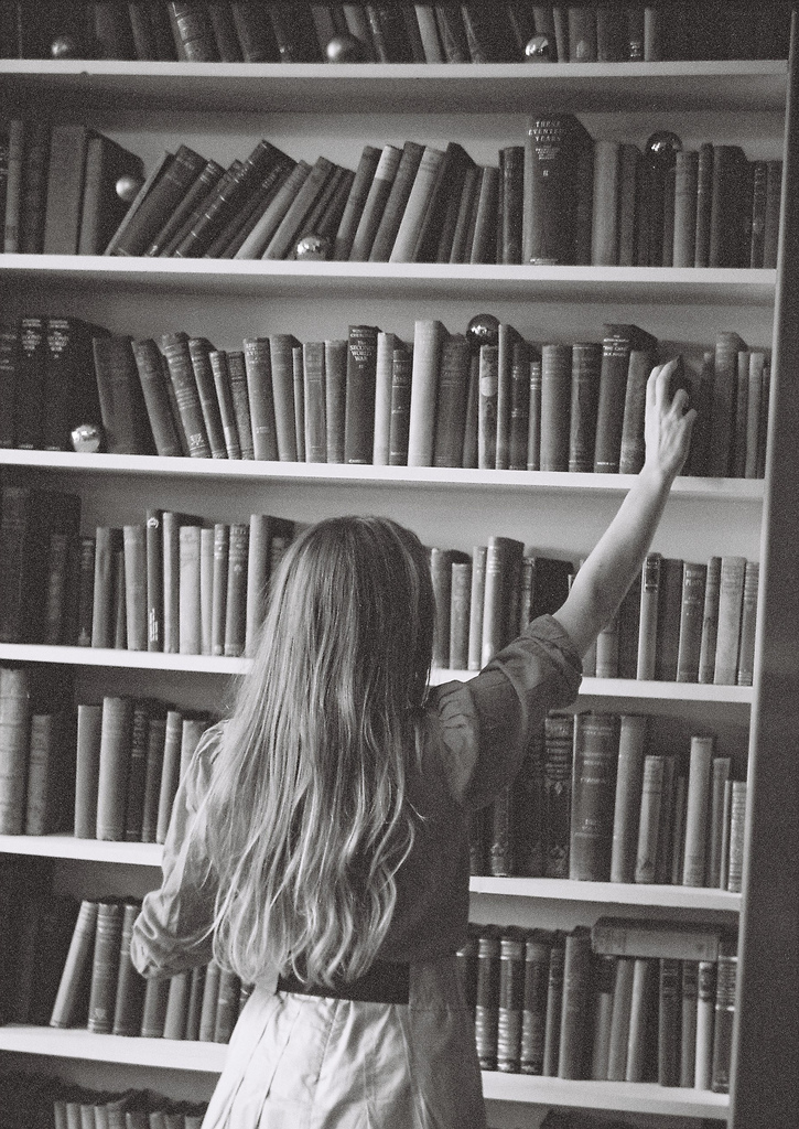black and white, books, bookshelf, girl