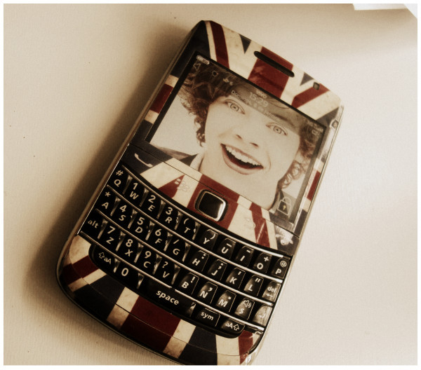 blackberry, harry styles, one direction