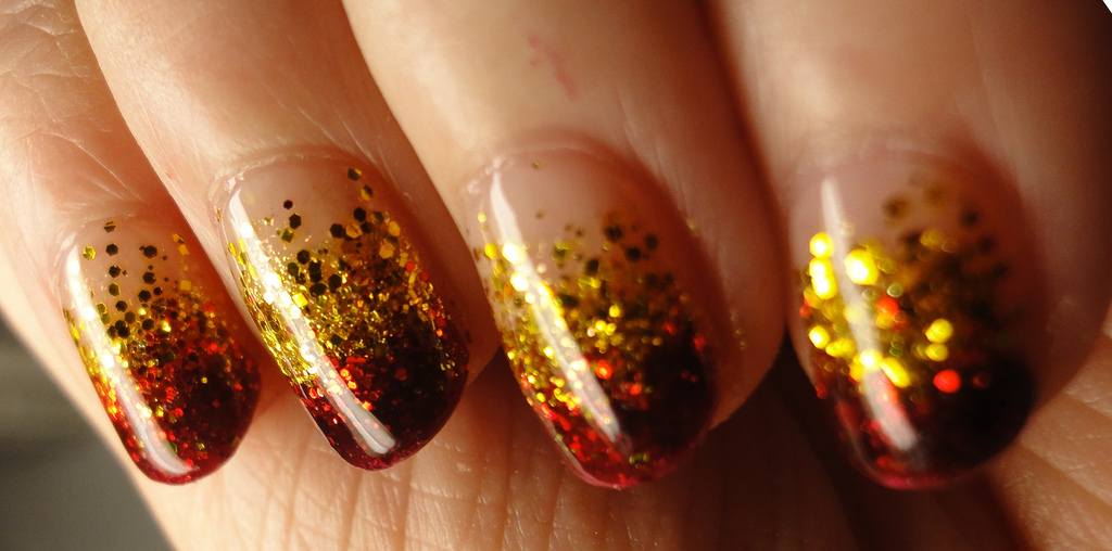 bling, glitter, gold, gradient, nail art