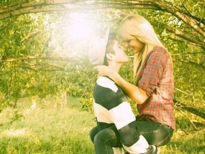 blonde, blouse, brown hair, brunette, couple, cute, hat, hug, kiss, leaves, love, nature, shirt, smile, swag, tree, ute