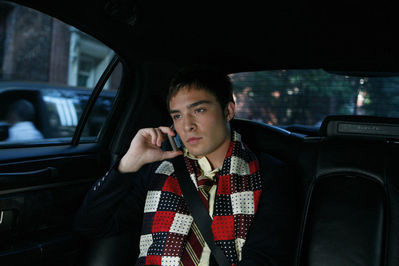 chuck bass, gossip girl, phone, rich
