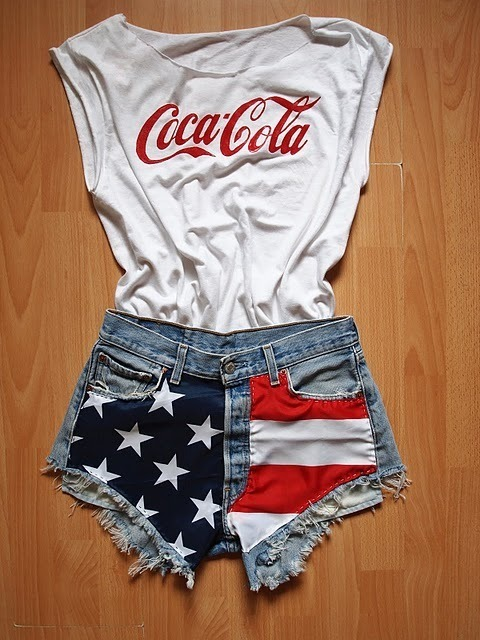 coca cola, fashion, flag, jeans, outfit, shorts, t-shirt