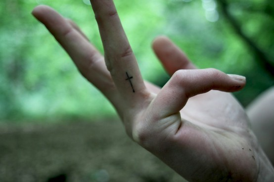 cross, finger tattoo, tattoo - image #438064 on Favim.com